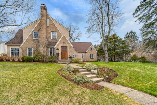 1013 Floral Avenue SE, East Grand Rapids, MI 49506 (MLS #19015723) :: Matt Mulder Home Selling Team