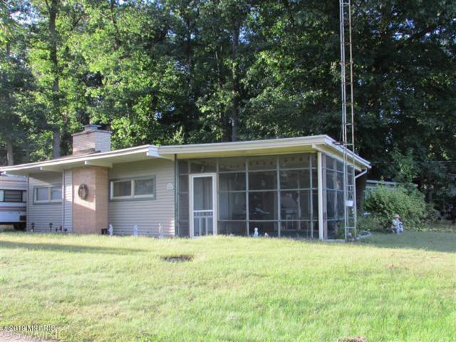 3454 George Drive, Hillsdale, MI 49242 (MLS #19015734) :: Deb Stevenson Group - Greenridge Realty