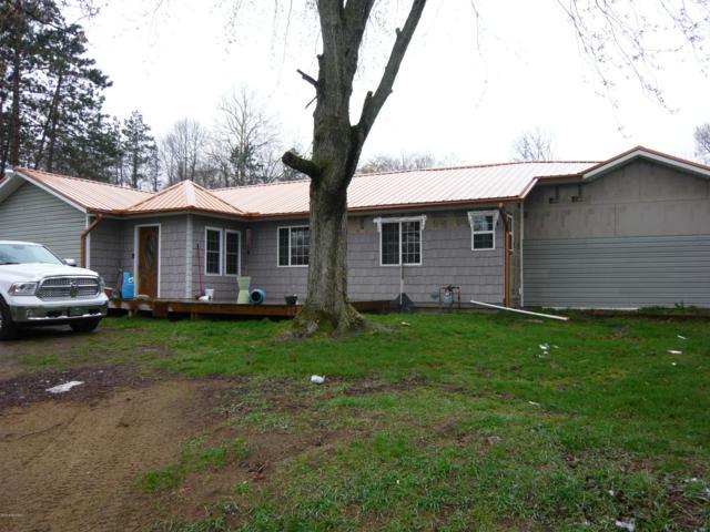 968 Weaver Road, Bronson, MI 49028 (MLS #19015761) :: Matt Mulder Home Selling Team