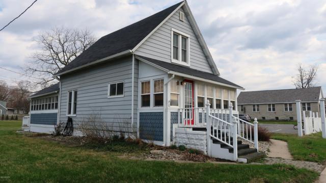 555 Broadway Street, South Haven, MI 49090 (MLS #19015907) :: Deb Stevenson Group - Greenridge Realty