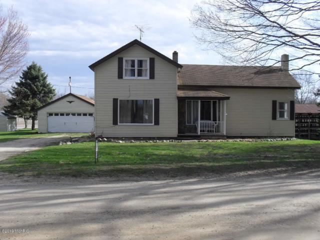 10080 NE Rentsman Street NE, Cedar Springs, MI 49319 (MLS #19015923) :: Matt Mulder Home Selling Team