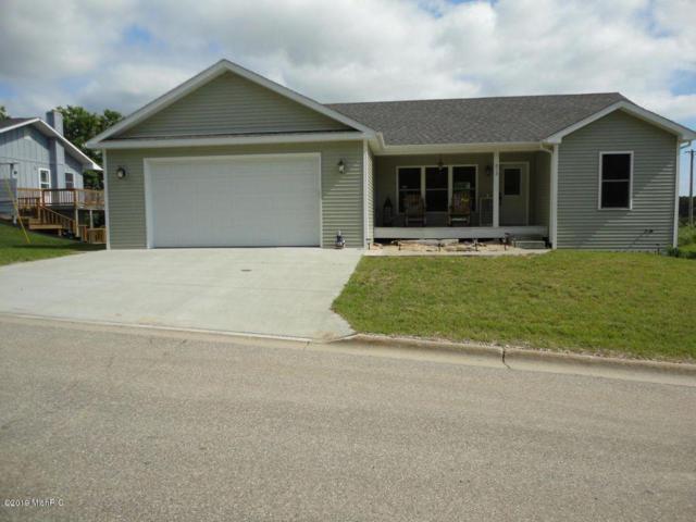 213 Hilltop Drive, Hart, MI 49420 (MLS #19016008) :: Matt Mulder Home Selling Team