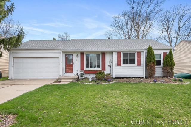 3611 Stoneleigh Drive, Lansing, MI 48910 (MLS #19016047) :: Matt Mulder Home Selling Team