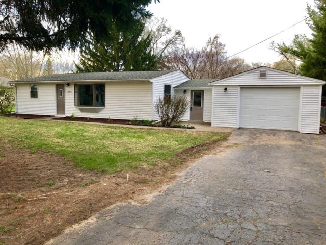 16918 Lovers Lane, Three Rivers, MI 49093 (MLS #19016052) :: Matt Mulder Home Selling Team