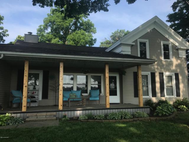 8724 S 28th Street, Scotts, MI 49088 (MLS #19016066) :: Deb Stevenson Group - Greenridge Realty