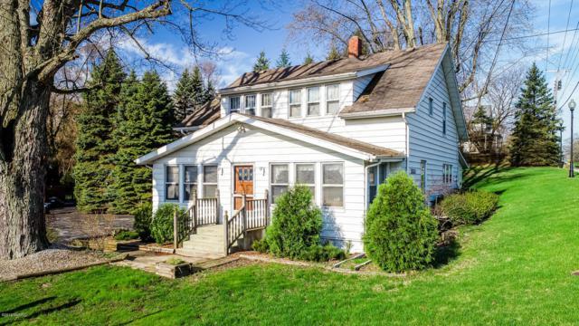 2820 W John Beers Road, Stevensville, MI 49127 (MLS #19016474) :: Matt Mulder Home Selling Team