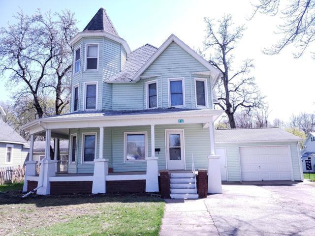 332 E Orchard Street, Delton, MI 49046 (MLS #19017301) :: Matt Mulder Home Selling Team
