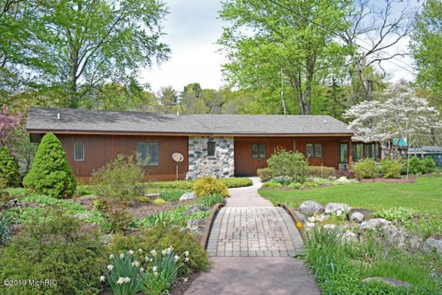 6499 W Bell Meadow Drive, Grant, MI 49327 (MLS #19017314) :: Matt Mulder Home Selling Team