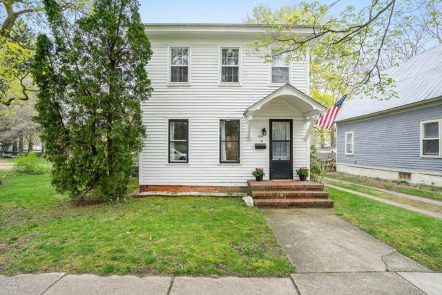 514 Hubbard Street, Allegan, MI 49010 (MLS #19017984) :: Deb Stevenson Group - Greenridge Realty