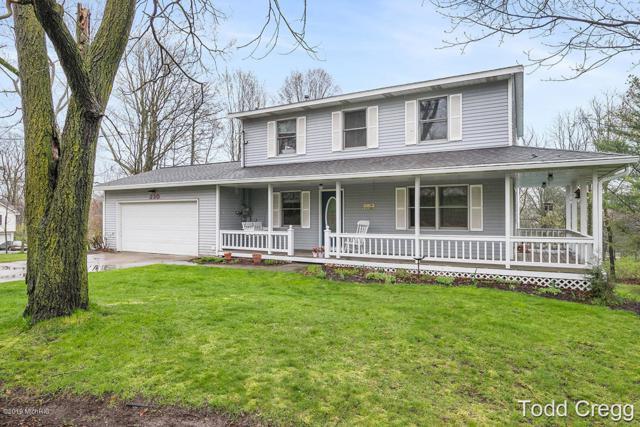 230 Summit Avenue NE, Rockford, MI 49341 (MLS #19018285) :: Matt Mulder Home Selling Team