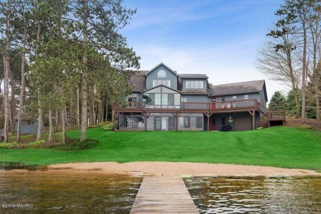 68755 Territorial Road, Lawrence, MI 49064 (MLS #19018621) :: Matt Mulder Home Selling Team