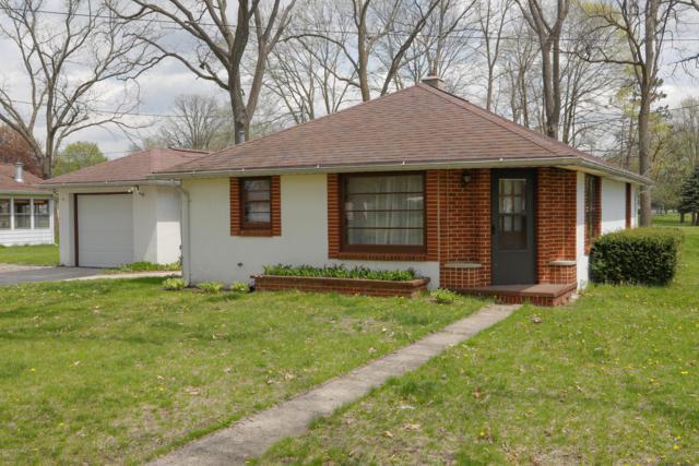 632 Walnut Lane, Union City, MI 49094 (MLS #19019033) :: Deb Stevenson Group - Greenridge Realty