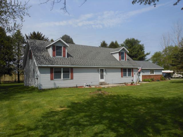 7165 Maple Grove Road, Berrien Center, MI 49102 (MLS #19019389) :: Matt Mulder Home Selling Team