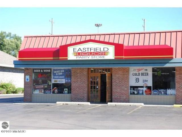 831 S Garfield Avenue, Traverse City, MI 49686 (MLS #19019863) :: CENTURY 21 C. Howard