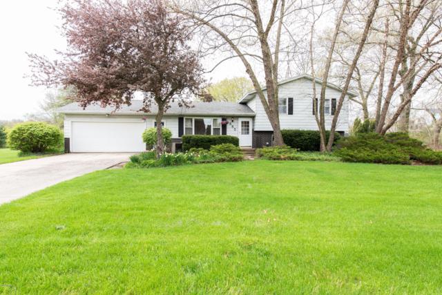 885 Alden Nash Avenue SE, Lowell, MI 49331 (MLS #19019866) :: Matt Mulder Home Selling Team
