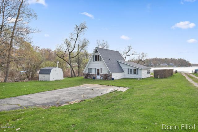6431 Lakeshore Drive, Lakeview, MI 48850 (MLS #19020079) :: Matt Mulder Home Selling Team