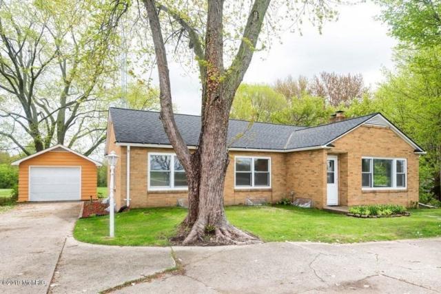 3403 N M-140 Highway, Watervliet, MI 49098 (MLS #19020097) :: Matt Mulder Home Selling Team