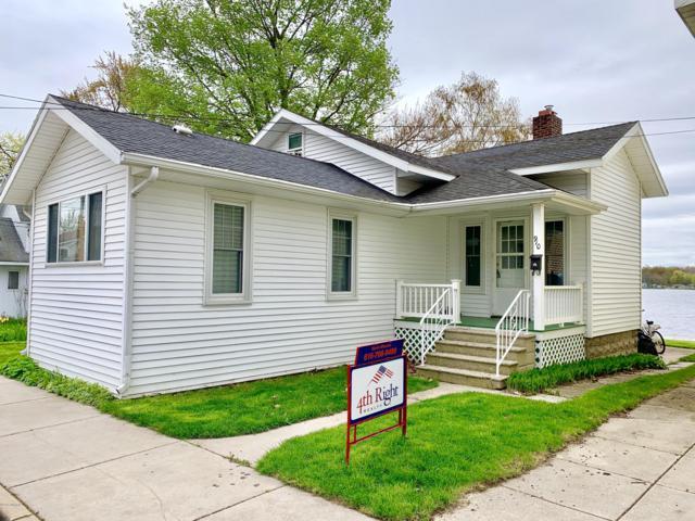 910 Lakeview Drive, Lake Odessa, MI 48849 (MLS #19020282) :: Matt Mulder Home Selling Team