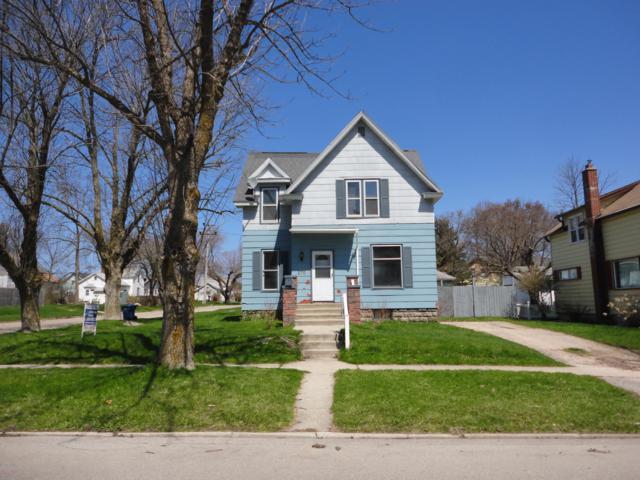 270 Fifth Street, Manistee, MI 49660 (MLS #19020749) :: Deb Stevenson Group - Greenridge Realty