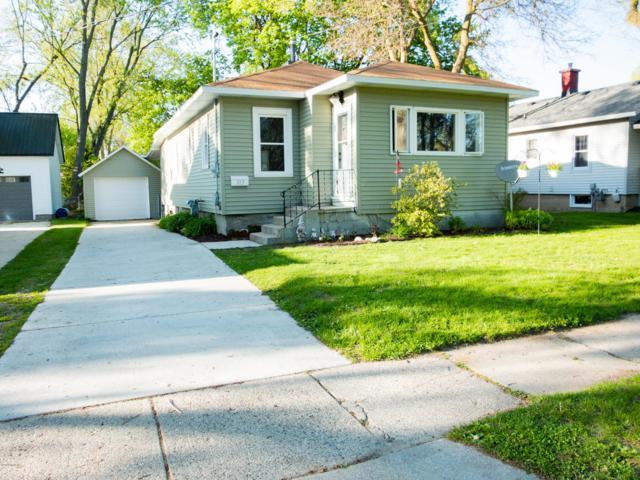 313 Lewis Street, Rockford, MI 49341 (MLS #19020753) :: Matt Mulder Home Selling Team