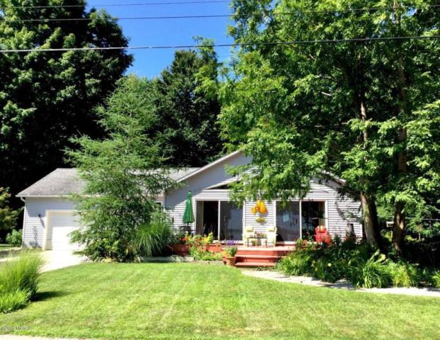 13200 Hopkins Forest Drive Drive, Bear Lake, MI 49614 (MLS #19020825) :: Deb Stevenson Group - Greenridge Realty