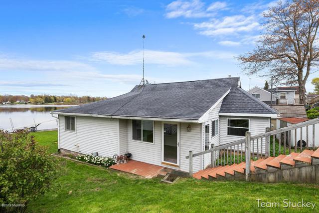 721 Thompson Street SW, Stanton, MI 48888 (MLS #19020866) :: Matt Mulder Home Selling Team