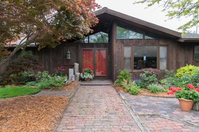 5280 Pine Lane Path, Stevensville, MI 49127 (MLS #19021159) :: JH Realty Partners