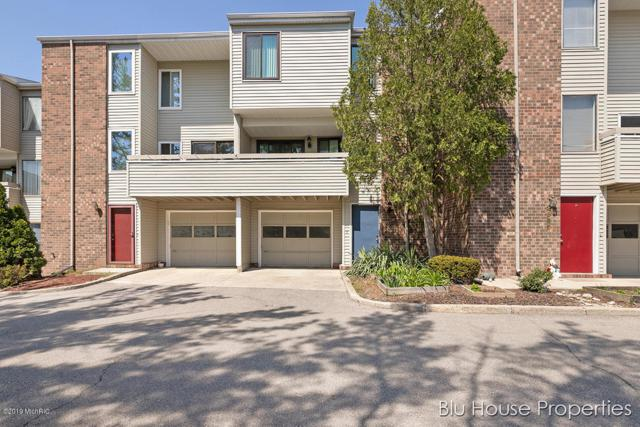 2987 Chapshire Drive SE #86, Grand Rapids, MI 49546 (MLS #19021180) :: Matt Mulder Home Selling Team
