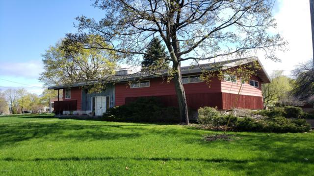 715 Cedar Street, Manistee, MI 49660 (MLS #19021199) :: Matt Mulder Home Selling Team