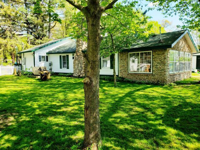 92282 Entrance Drive, Lawton, MI 49065 (MLS #19021231) :: Matt Mulder Home Selling Team