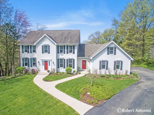 1905 Mont Rue Drive SE, Grand Rapids, MI 49546 (MLS #19021266) :: Matt Mulder Home Selling Team