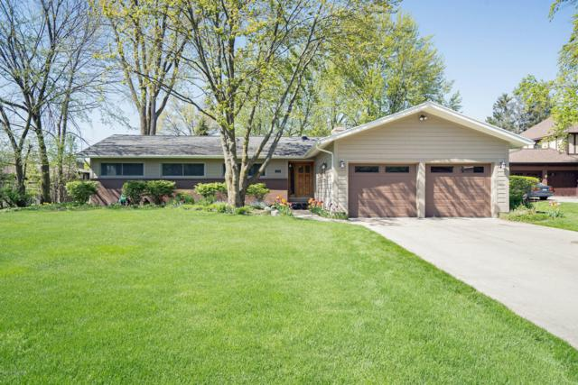 2529 Hampshire Boulevard SE, East Grand Rapids, MI 49506 (MLS #19021322) :: JH Realty Partners