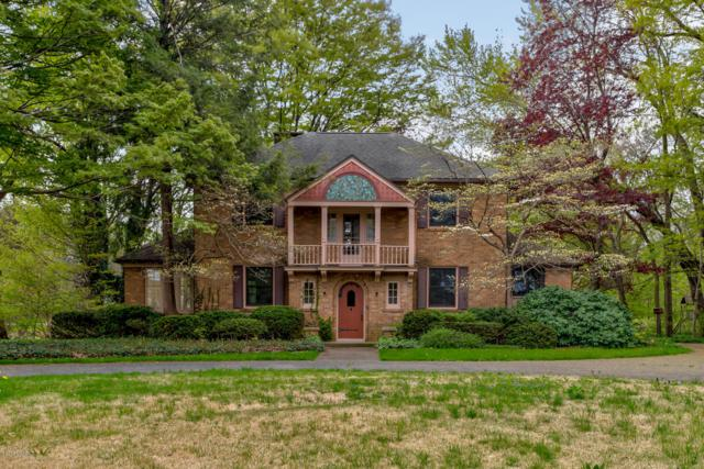 1082 S Shore Drive, Holland, MI 49423 (MLS #19021379) :: Matt Mulder Home Selling Team
