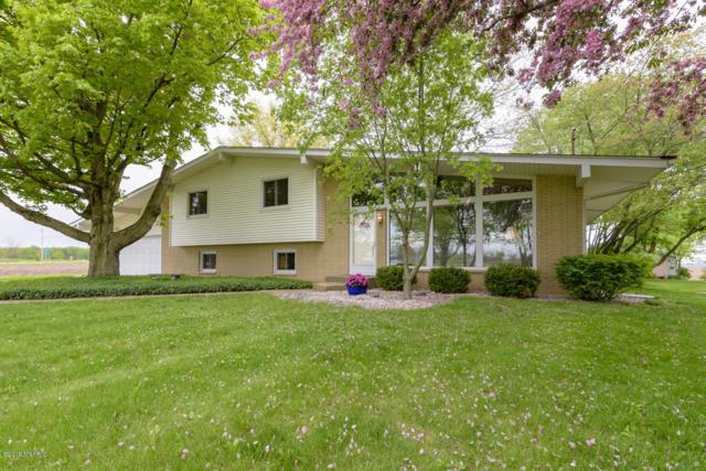 9081 N. 32nd St., Richland, MI 49083 (MLS #19021536) :: Matt Mulder Home Selling Team