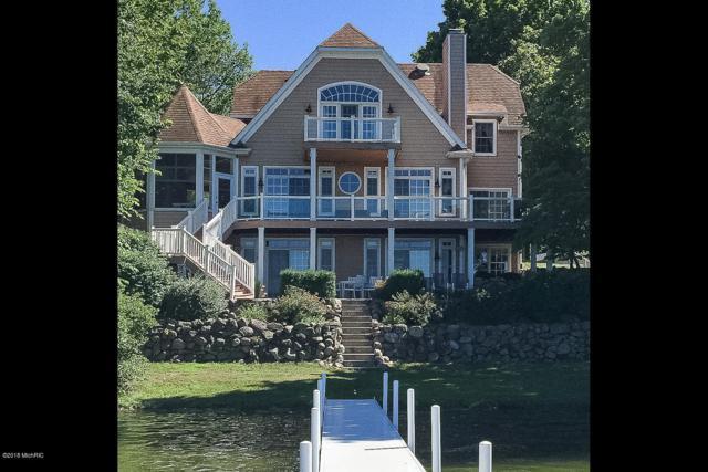 11272 Oak Avenue, Three Rivers, MI 49093 (MLS #19021661) :: Matt Mulder Home Selling Team