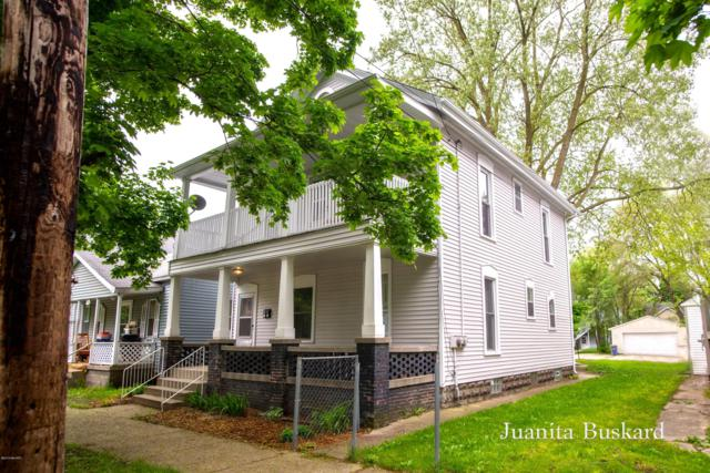 937 Davis Avenue NW, Grand Rapids, MI 49504 (MLS #19021737) :: JH Realty Partners