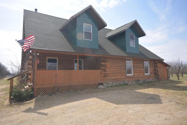 55585 60th Avenue, Lawrence, MI 49064 (MLS #19021862) :: Matt Mulder Home Selling Team