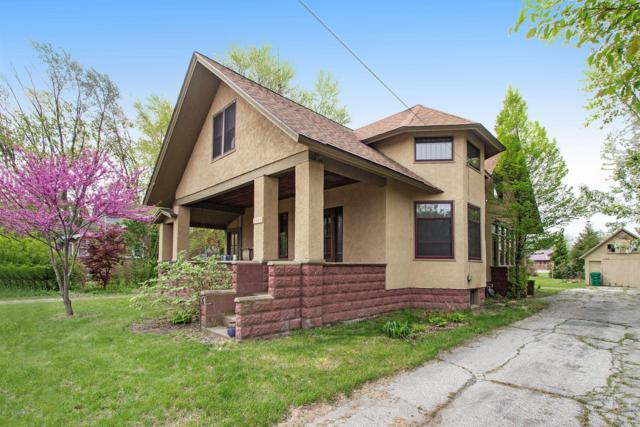 9082 Hills Road, Baroda, MI 49101 (MLS #19021908) :: Deb Stevenson Group - Greenridge Realty