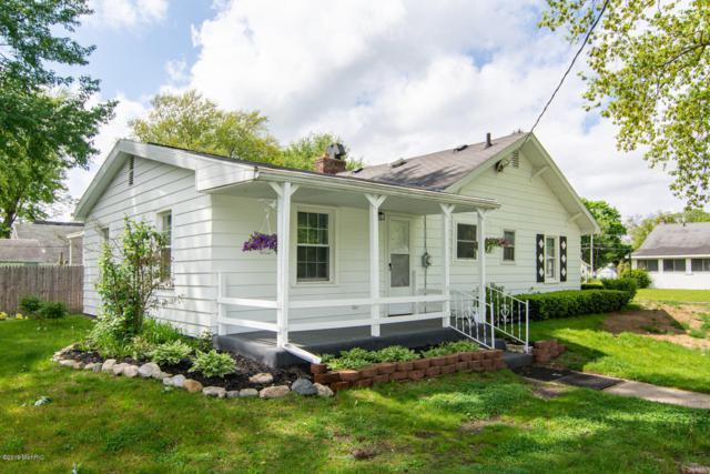 1548 Maple Street, Niles, MI 49120 (MLS #19021930) :: Matt Mulder Home Selling Team