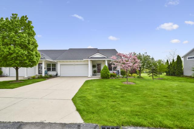 1352 East Point Ridge, Holland, MI 49423 (MLS #19021976) :: Matt Mulder Home Selling Team