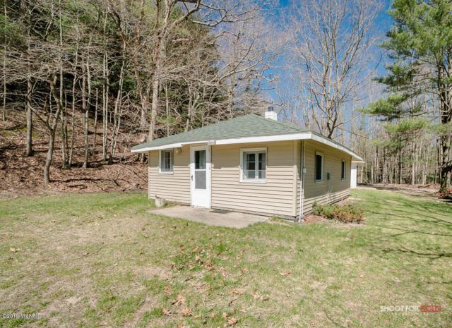 7147 N Old Channel Trail #6, Montague, MI 49437 (MLS #19022000) :: Matt Mulder Home Selling Team