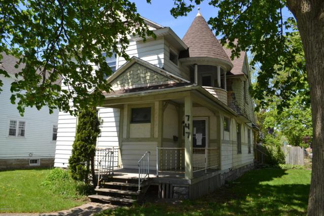 747 Fifth Street NW, Grand Rapids, MI 49504 (MLS #19022015) :: JH Realty Partners
