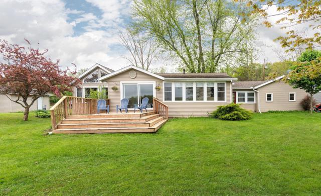 2992 Thorpe Drive, Delton, MI 49046 (MLS #19022051) :: Matt Mulder Home Selling Team