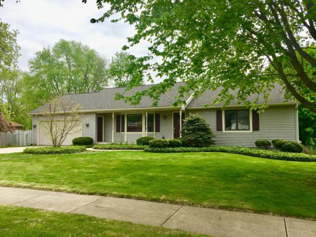 5960 Alcove Drive NE, Belmont, MI 49306 (MLS #19022075) :: Matt Mulder Home Selling Team