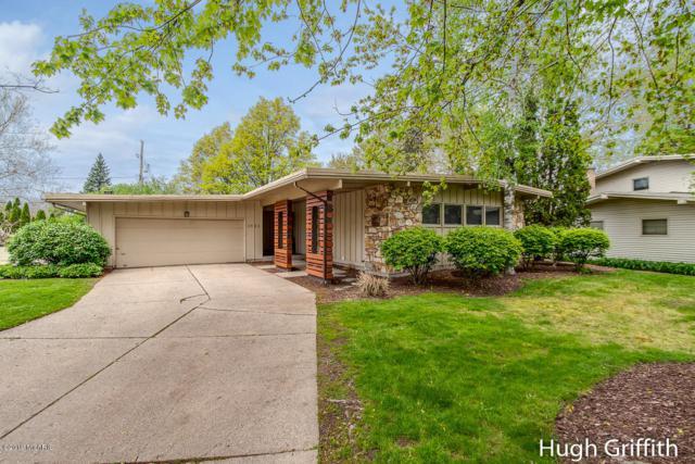 2663 Hampshire Boulevard SE, East Grand Rapids, MI 49506 (MLS #19022154) :: JH Realty Partners