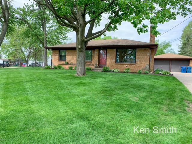 7455 Walnut Avenue, Jenison, MI 49428 (MLS #19022158) :: Matt Mulder Home Selling Team