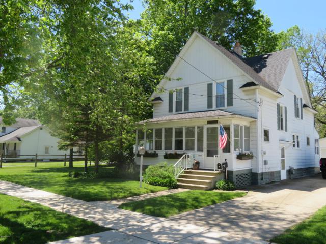 522 S Farmer Street, Otsego, MI 49078 (MLS #19022271) :: Matt Mulder Home Selling Team