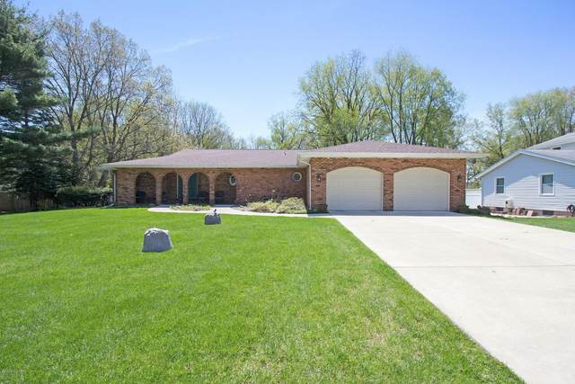 5879 Scenic Way Drive, Kalamazoo, MI 49009 (MLS #19022289) :: Matt Mulder Home Selling Team
