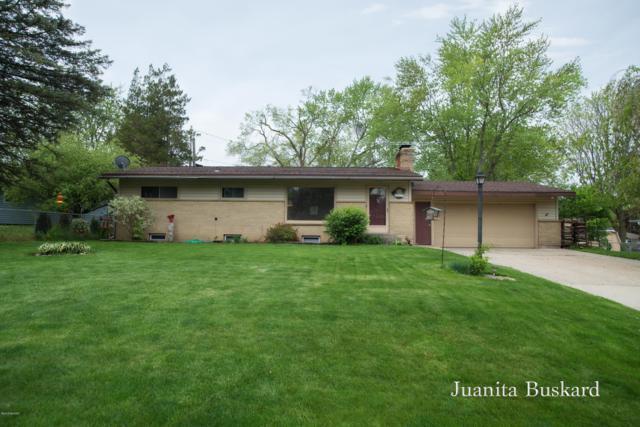 551 Saint Clair Avenue NW, Grand Rapids, MI 49534 (MLS #19022476) :: JH Realty Partners