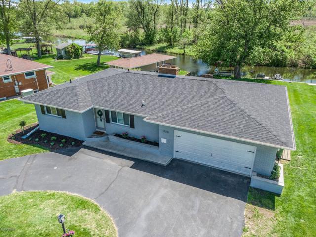 335 Lakeshore Drive, Battle Creek, MI 49015 (MLS #19022660) :: Matt Mulder Home Selling Team